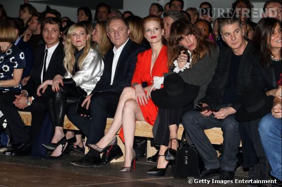 Garrett Hedlund, Kirsten Dunst, François-Henri Pinault, Jessica Chastain, Lou Doillon et Etienne Daho chez Saint Laurent.