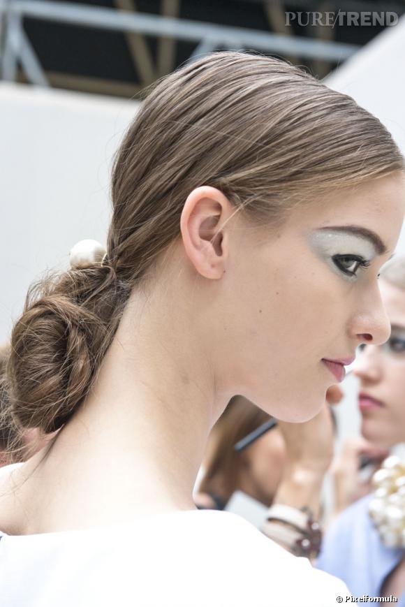La ponytail repliée Défilé Chanel Printemps-été 2013.