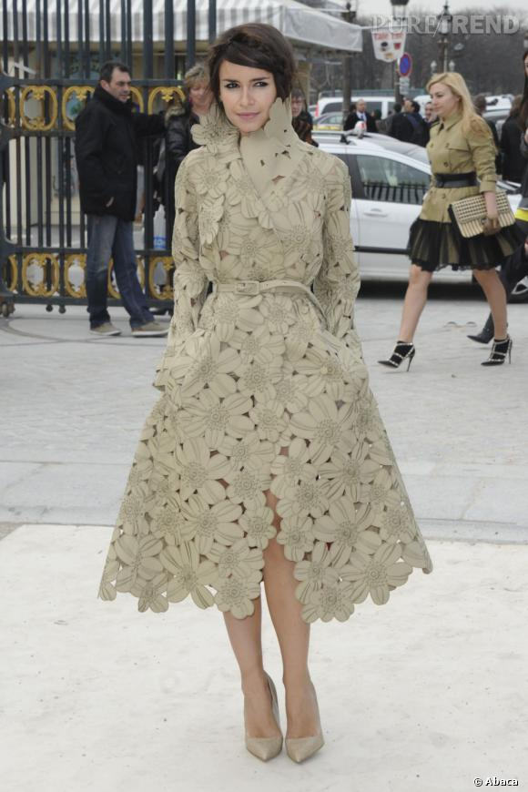 Miroslava Duma fait son entrée au défilé Valentino.
