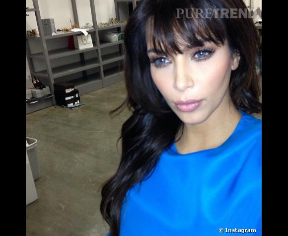 Kim Kardashian, les yeux bleus.