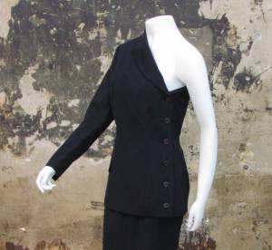 Du vintage Jean Paul Gaultier et Chanel aux enchères
