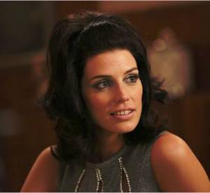 "Le brushing yéyé de Jessica Paré dans ""Mad Men""."
