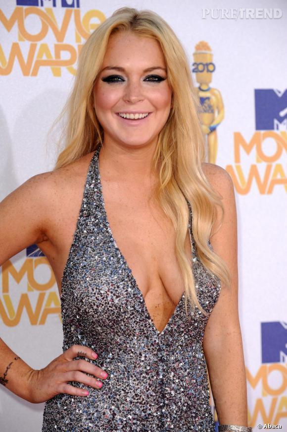 Le sein qui pendouille :  Lindsay Lohan, 26 ans (et seulement 24 ans sur cette photo)