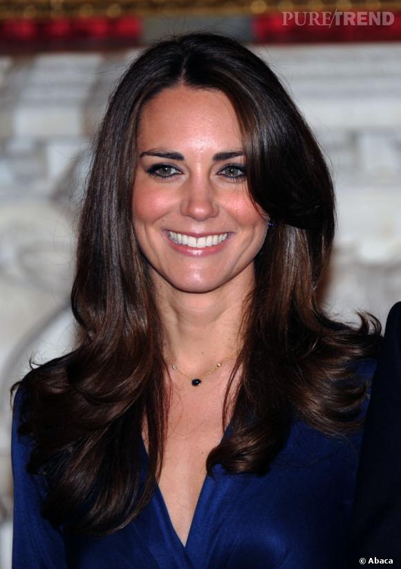 Les coiffures de Kate Middleton :  la brillance miroir.