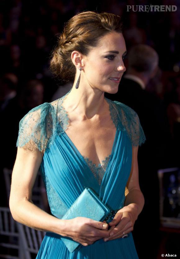 Les coiffures de Kate Middleton :  le chignon romantique.