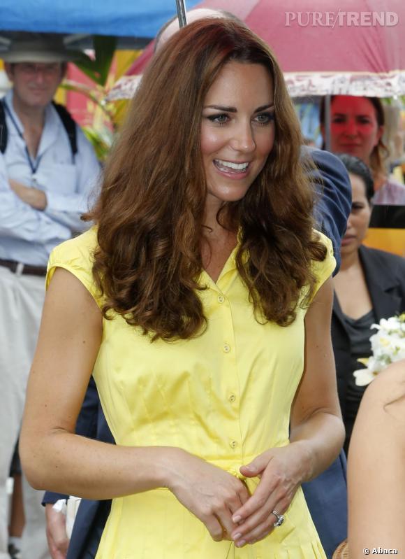 Les coiffures de Kate Middleton :  les cheveux naturellement bouclés.