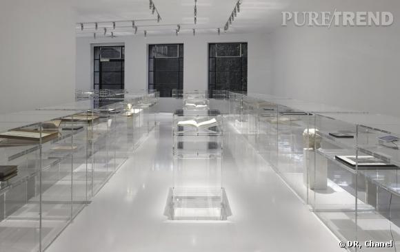 """Exposition """"N°5 Culture Chanel"""" au Palais de Tokyo."""