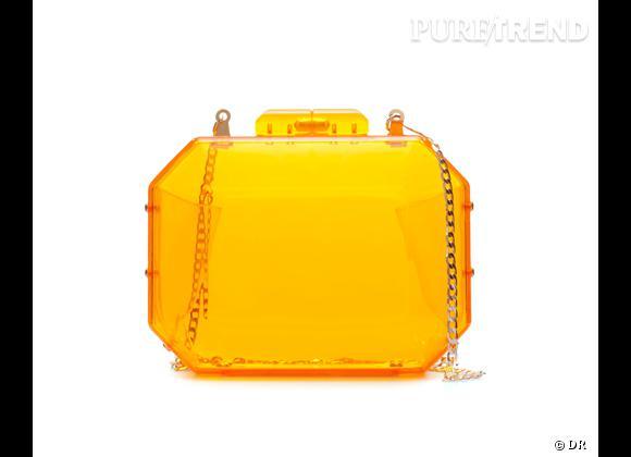 Des stars, aux podiums, à la rue : adoptez la tendance it-bag transparent    Sac minaudière Zara, 25,95 €