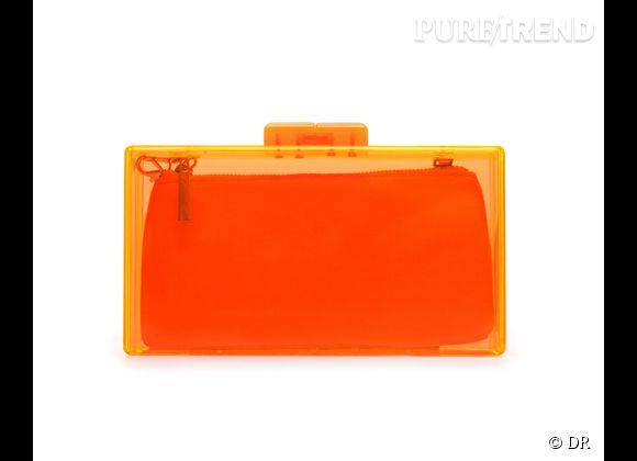 Des stars, aux podiums, à la rue : adoptez la tendance it-bag transparent    Minaudière Zara, 25,95 €