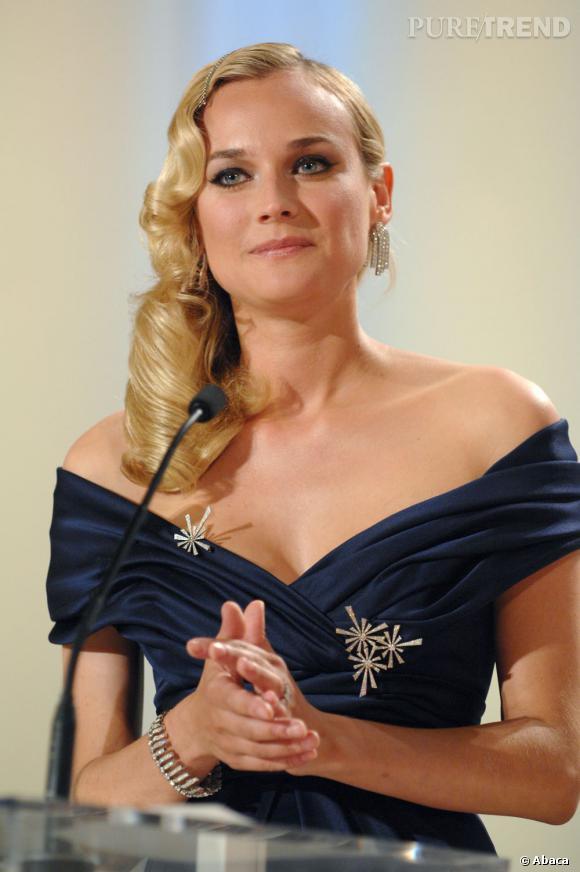 Les plus belles maîtresses de cérémonie du festival de Cannes : Diane Kruger en 2007 Diane Kruger et la chevelure crantée portée sur l'épaule. Follement glamour.