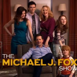 La série raconte le retour au travail de Michael J Fox, atteint de la maladie de Parkinson.