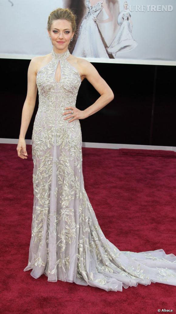 Amanda Seyfried dans sa robe des Oscars.