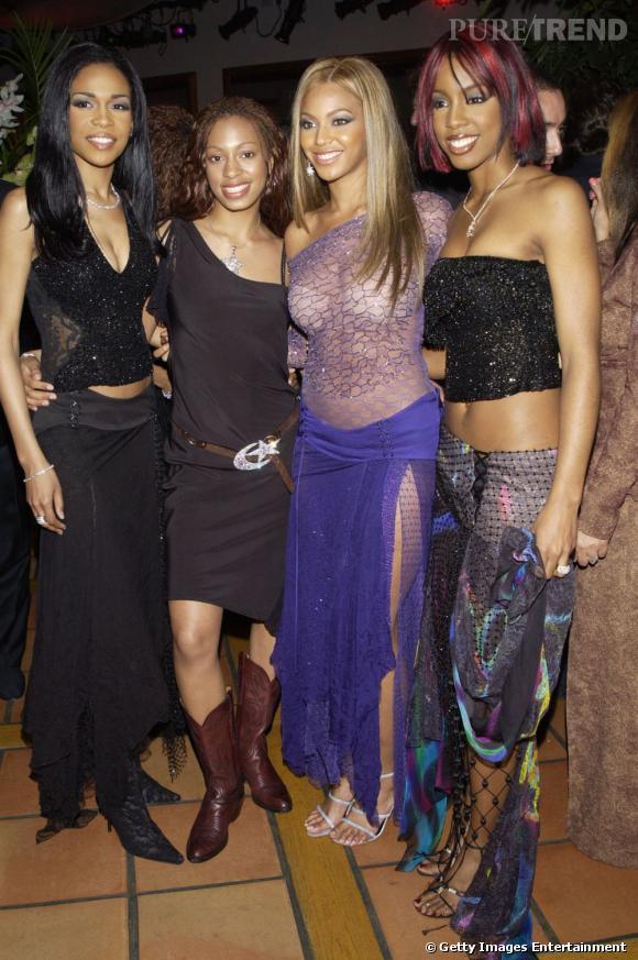 En 2002 :  Solange Knowles copie ses copines. Résultat elle porte une petite robe noire avec des santiags, peut mieux faire !