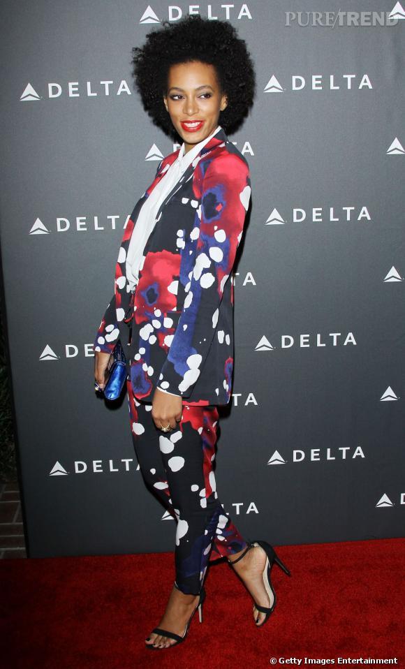 En 2013 :  Solange Knowles ose le smoking imprimé et aurait eu tort de s'en priver.