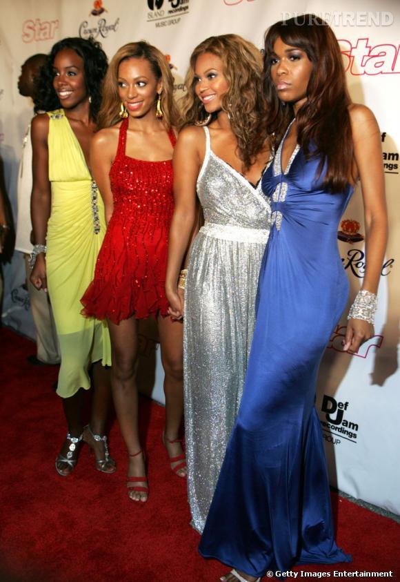 En 2005 :  Solange Knowles se fond parmi les Destiny's Child, la ressemblance avec Beyoncé est frappante.