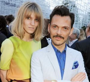 "Matthew Williamson bien entouré lors de la soirée ""Serpentine Gallery Summer Party""."