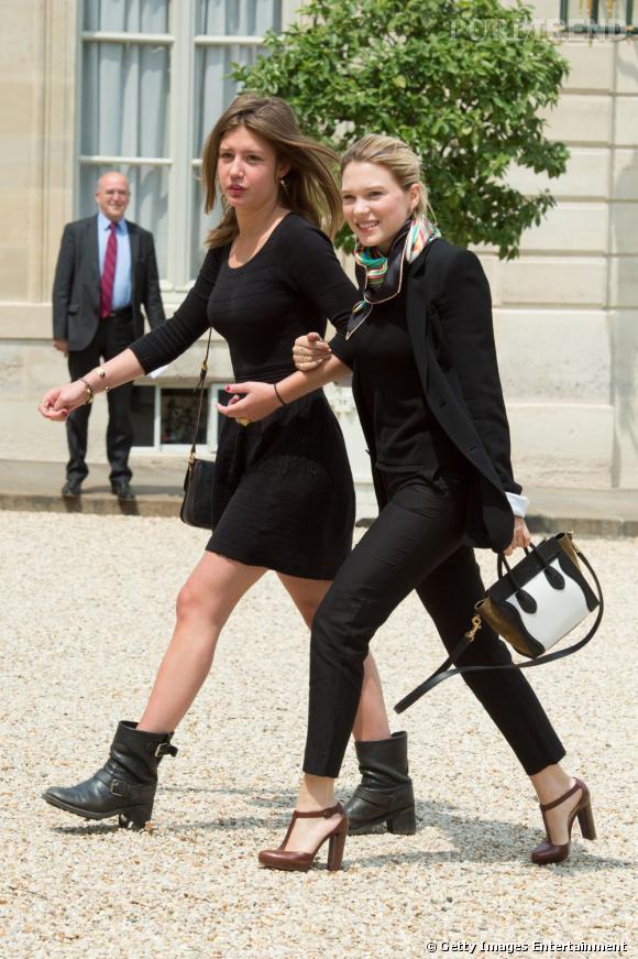 Léa Seydoux et Adèle Exarchopoulos vont bras dessus, bras dessous au repas à l'Elysée, vêtues de noir et très chic.