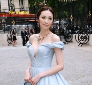 Pace Wu vs Zhang Yuqi : la robe de bal ultra decolletee Ulyana Sergeenko