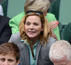 Kim Cattrall assiste à un match pendant Wimbledon 2013.