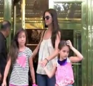 Suri Cruise, traitee de ''bitch'' par un paparazzi (video)