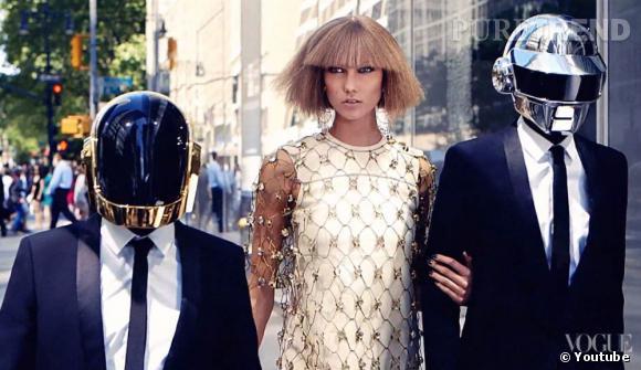 Karlie Kloss au beau milieu des Daft Punk pour le numéro du mois d'août du magazine Vogue US.