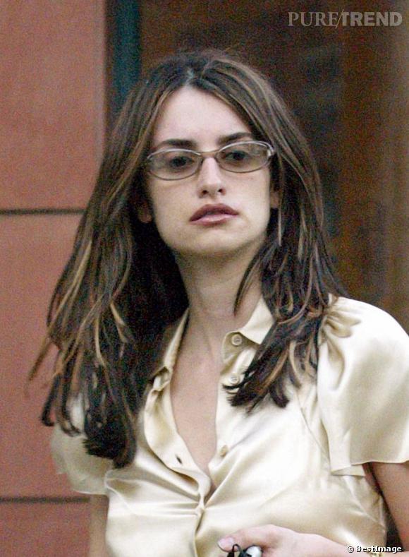 Penelope Cruz ose les mèches plus claires en 2003 et ce n'est franchement pas une réussite.
