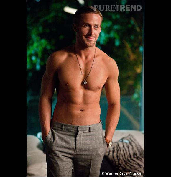 """Les tablettes de Ryan Gosling feront-elles pencher la balance et lui permettraient-elles d'obtenir le rôle de Christian Grey dans l'adaptation cinématographie de """"Fifty Shades of Grey"""" ?"""