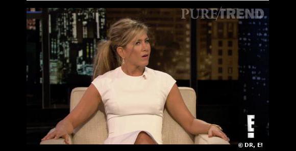 Jennifer Aniston met les choses au clair dans l'émission Chelsea Lately, elle n'est pas nudiste.