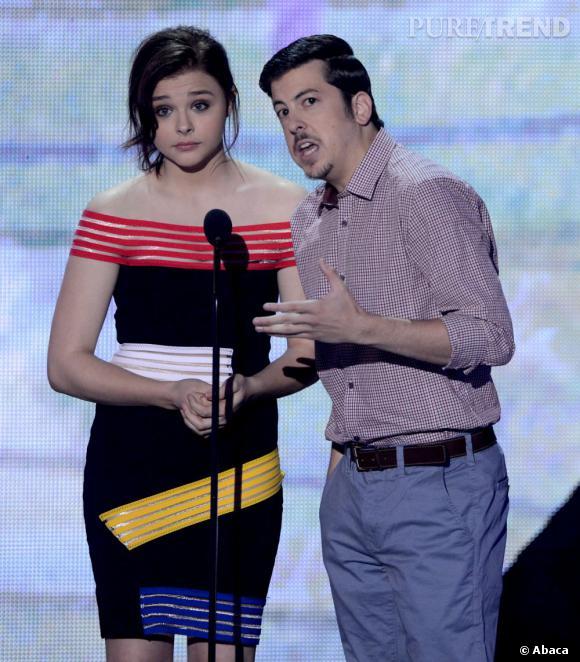 Chloë Moretz et Christopher Mintz-Plasse remettent un prix aux Teen Choice Awards 2013.