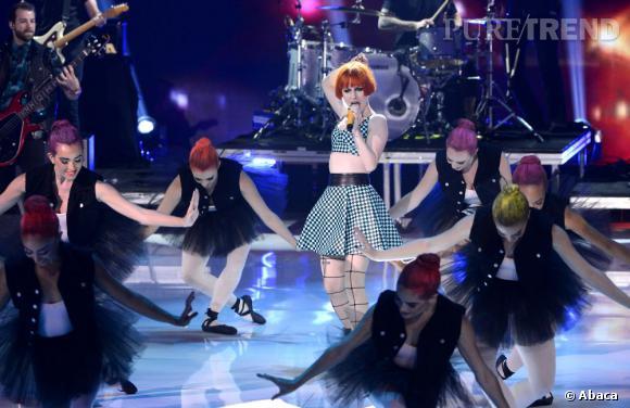Paramore sur scène lors des aux Teen Choice Awards 2013.