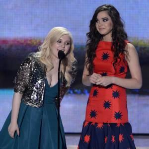 Abigail Breslin et Hailee Steinfeld aux Teen Choice Awards 2013.