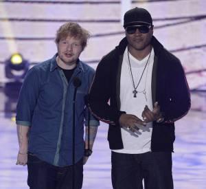 Ed Sheeran, révélation de l'année et LL Cool J, meilleur acteur de série catégorie action, aux Teen Choice Awards 2013.