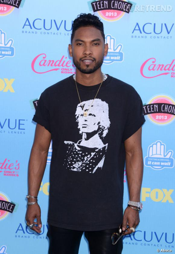 Miguel aux Teen Choice Awards 2013.