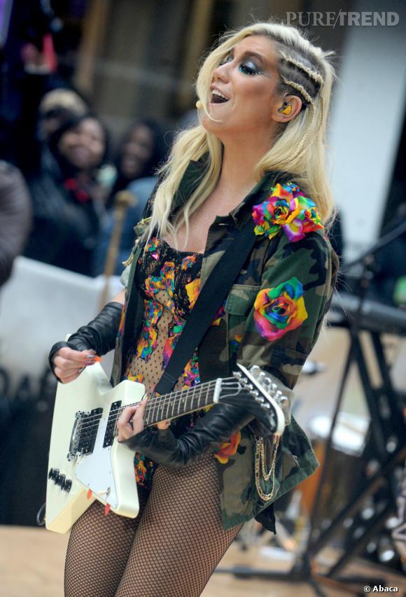Kesha, peut-être plus crédible avec une guitare.