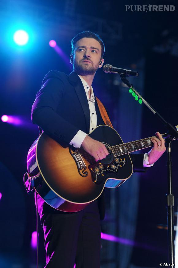 Justin Timberlake : la guitare lui va bien.