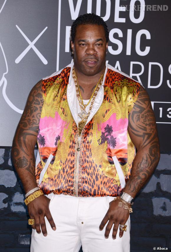 Busta Rhymes joue la carte de l'audace aux MTV Video Muci Awards 2013 et choisit une veste imprimée de la collection été femme d'H&M.