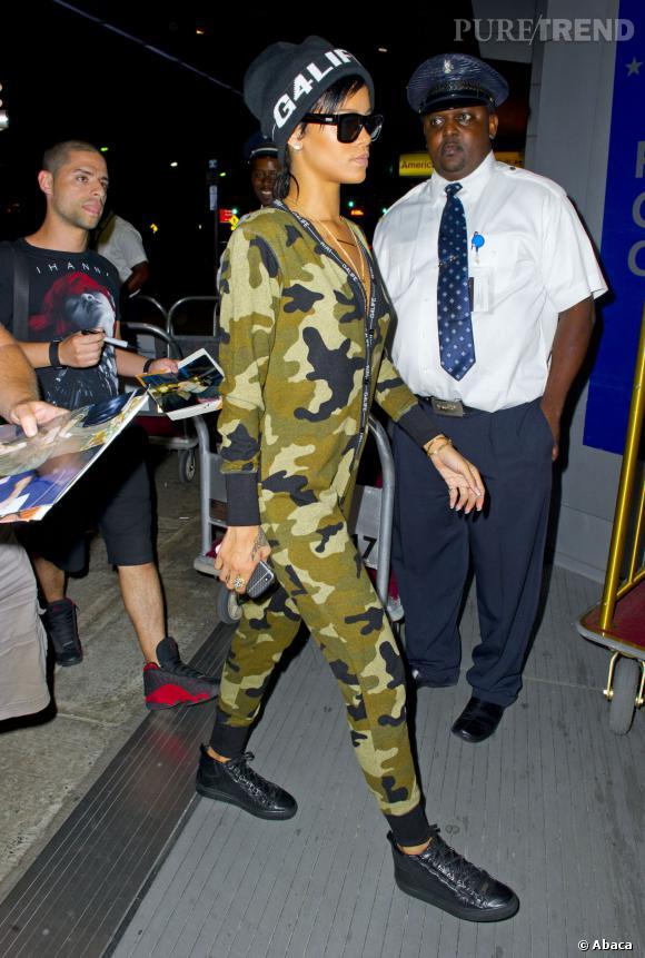 Rihanna et son style sportswear militaire.
