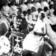 Le Prince Rainier et Grace Kelly lors de leurs noces en 1956 à Monaco.