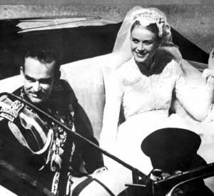Le prince Rainier et Grace Kelly après leurs noces.