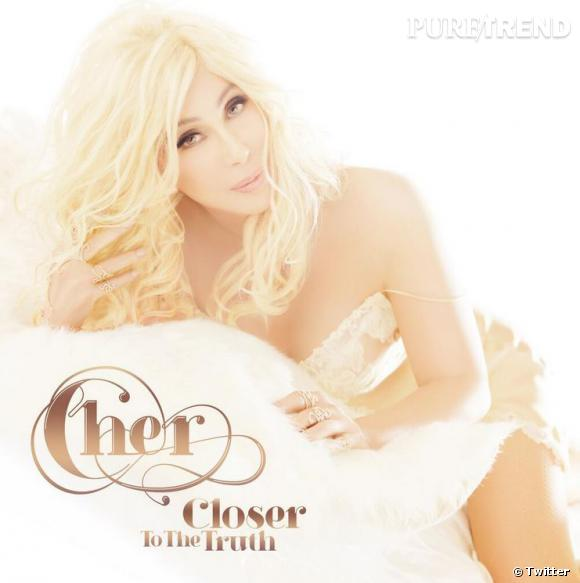 "Cher, incroyablement rajeunie sur la pochette de son nouvel album, ""Closer to the Truth""."