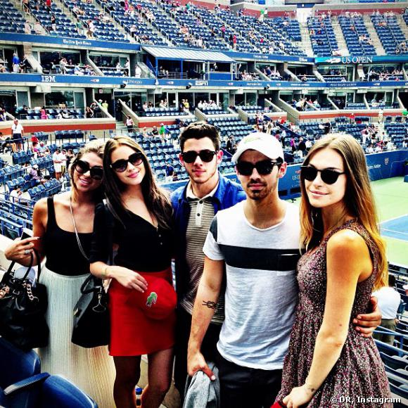 Nick Jonas a posté une photo de lui et Olivia Culpo, sa nouvelle petite-amie, sur Instagram.