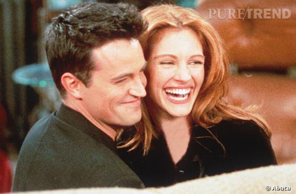 """Julia Roberts et Matthew Perry dans """"Friends"""", le culte des 90's."""