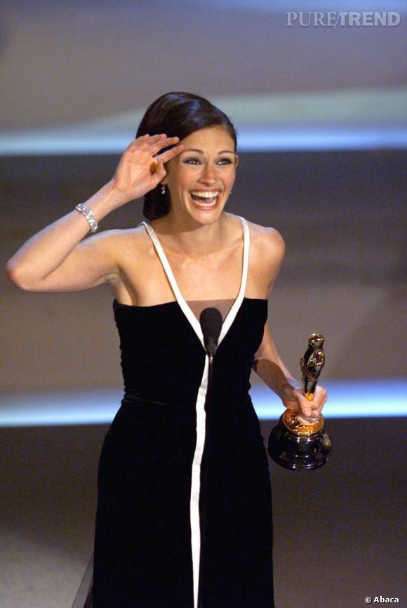 """Julia Roberts : l'actrice Oscarisée en 2001 pour son rôle dans """"Erin Brockovich"""" ne serait pas tendre avec sa soeur qui souffre de surpoids."""