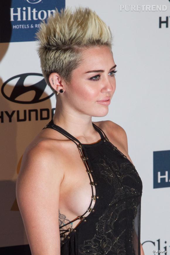 Sexy et déjantée, Miley Cyrus fait le buzz en cette rentrée