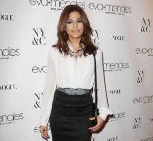 Eva Mendes, secretaire sexy pour le lancement de sa ligne... A shopper !
