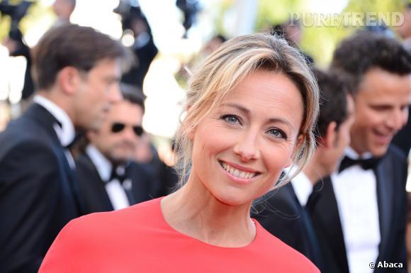 """Anne-Sophie Lapix a été accusée par Canal + de faire de la publicité pour """"C à Vous"""" alors qu'elle n'était pas encore sous contrat avec eux."""