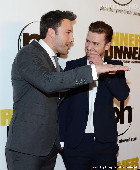 Justin Timberlake est supris par cette drôle de trace sur le visage de Ben Affleck...