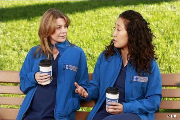 """Ellen Pompeo et Sandra Oh dans """"Grey's Anatomy""""."""