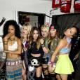 """Vanessa Hudgens et le groupe YLA au club Bootsy Bellows à Los Angeles pour promouvoir leur single """"$$$ex""""."""
