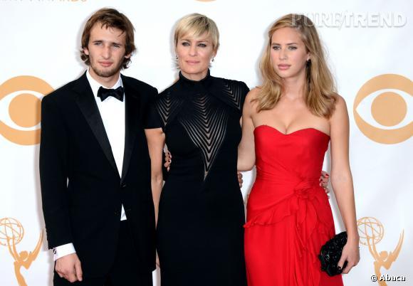 Dylan Penn est la fille de Sean Penn et de Robin Wright... et selon quelques rumeurs la petite amie de Robert Pattinson.